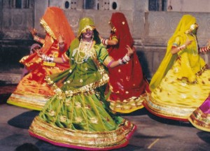 rajsthan cultural dance ghoomer